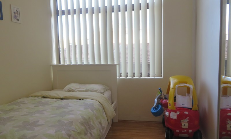 http://assets.boxdice.com.au/oz_combined_realty/rental_listings/24/e6cd8aff.jpg?crop=800x480