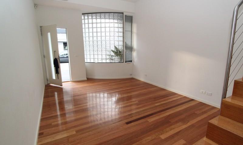 http://assets.boxdice.com.au/pride/rental_listings/2757/2590a161.jpg?crop=800x480