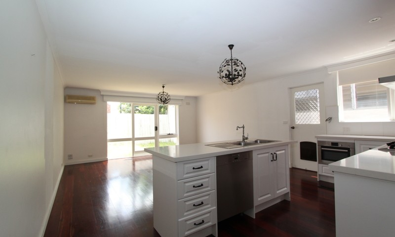 http://assets.boxdice.com.au/pride/rental_listings/2761/0c523f91.jpg?crop=800x480