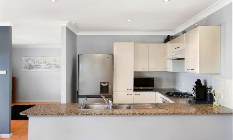 http://assets.boxdice.com.au/residential_hq_central_coast/listings/161/c65901c1.jpg?crop=800x480