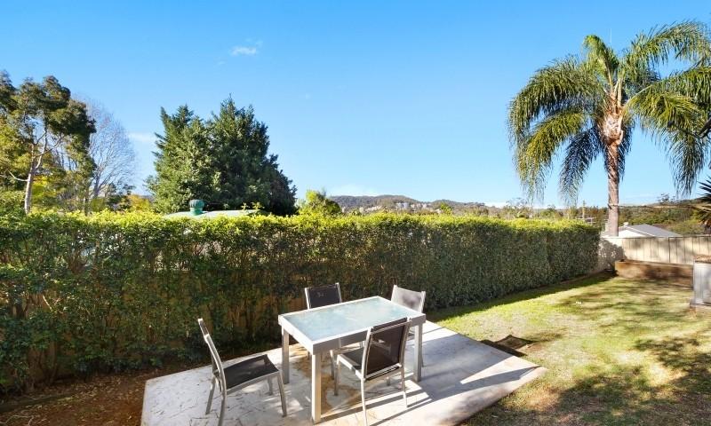 http://assets.boxdice.com.au/residential_hq_central_coast/listings/161/e2e848e5.jpg?crop=800x480