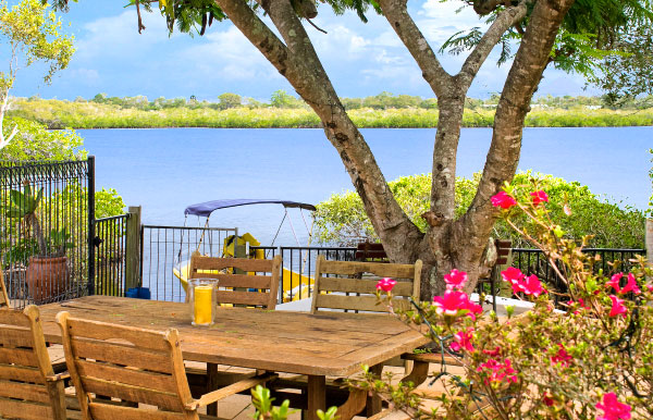 41 Dolphin Crescent, Noosa Sound Waterfront House