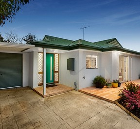 http://assets.boxdice.com.au/village_real_estate/listings/2378/5959556a.jpg?crop=288x266