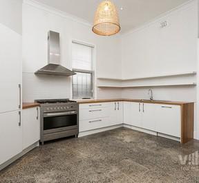 http://assets.boxdice.com.au/village_real_estate/rental_listings/550/bab12a0e.jpg?crop=288x266