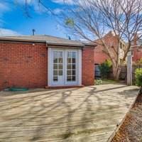 http://assets.boxdice.com.au/village_real_estate/rental_listings/640/2cfdd23e.jpg?crop=200x200