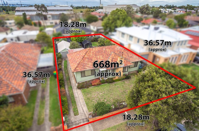 http://assets.boxdice.com.au/williams/listings/7634/ee9756ac.jpg?crop=755x500