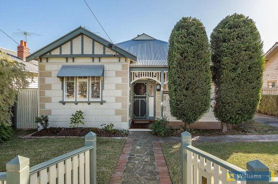 http://assets.boxdice.com.au/williams/listings/8779/ebed5d41.jpg?crop=554x368