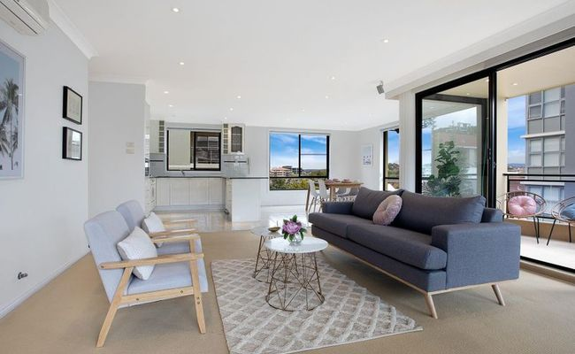 https://assets.boxdice.com.au/ae_team_property/listings/18/MAIN.1582521253.jpg?crop=650x400