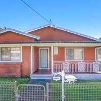 https://assets.boxdice.com.au/ae_team_property/rental_listings/130/c5bcfedb.jpg?crop=200x200