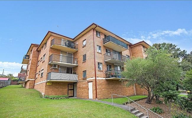 https://assets.boxdice.com.au/ae_team_property/rental_listings/135/98f41b33.jpg?crop=650x400
