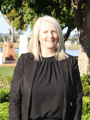 Jackie  Macgregor