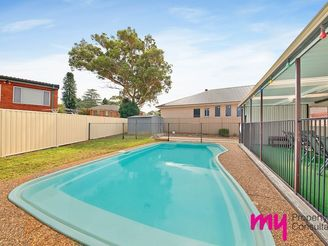 10 Manam Place, GLENFIELD