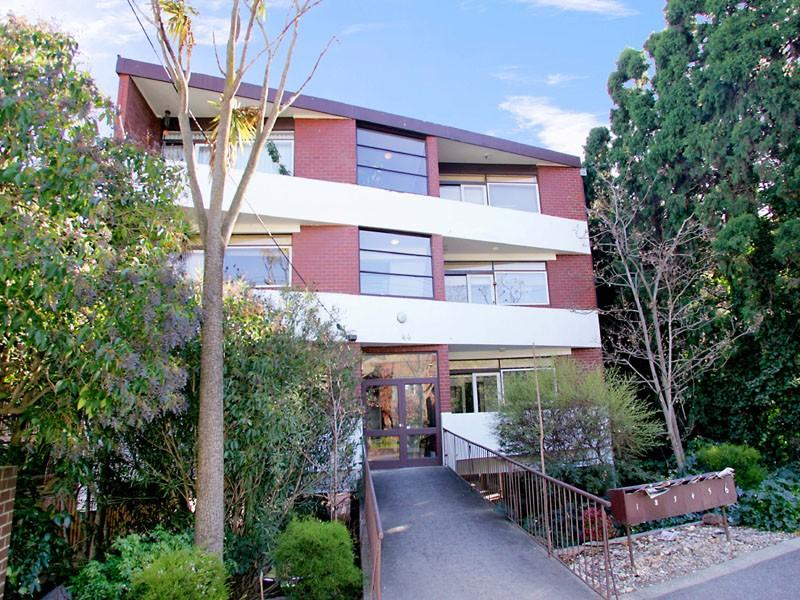 https://assets.boxdice.com.au/domainandco/attachments/1a4/5b5/44_morang_road_hawthorn_vic_3122_real_estate_photo_1_large_608458.jpg?e3209f9a68e30d1c21dd91149164c335