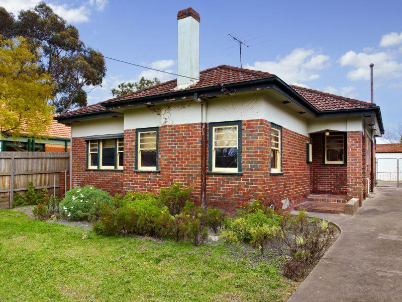 https://assets.boxdice.com.au/domainandco/attachments/3fb/d2d/100_bowen_street_camberwell_vic_3124_real_estate_photo_1_large_4360299.jpg?80ff7aad60cb5697a0974e02317eaa6d
