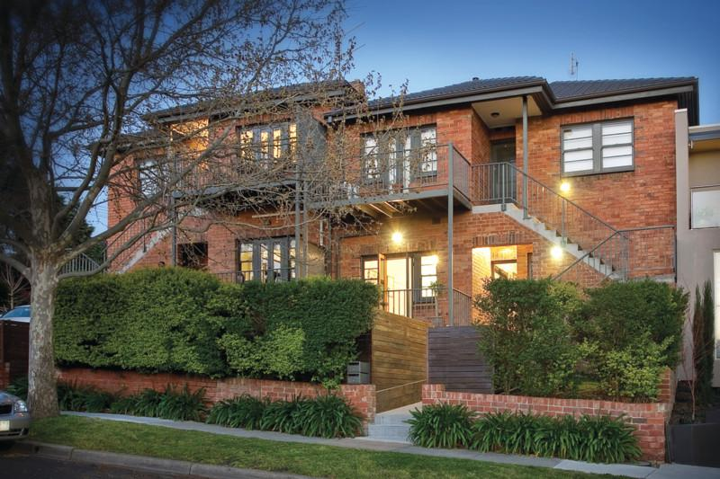 https://assets.boxdice.com.au/domainandco/attachments/66b/07e/11_creswick_street_hawthorn_vic_3122_real_estate_photo_1_large_4447377.jpg?c5016bd0cc38e0afa7f55b7088b0e514