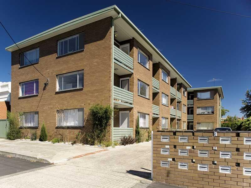 https://assets.boxdice.com.au/domainandco/attachments/8c4/74d/109_wilson_street_carlton_north_vic_3054_real_estate_photo_5_large_1325202.jpg?b005b72796dc55d37d74588751b6a1e7