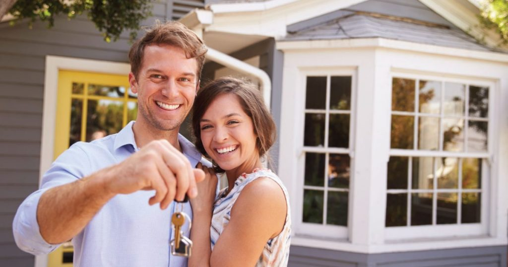 https://assets.boxdice.com.au/domainandco/attachments/d87/ef1/compromises_buying_your_first_home_couple_keys_e1519077908710_1024x538.jpg?73b05198d3cd1fbed59b3946a28fbd2e