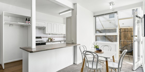 1/30 Mona Place, SOUTH YARRA