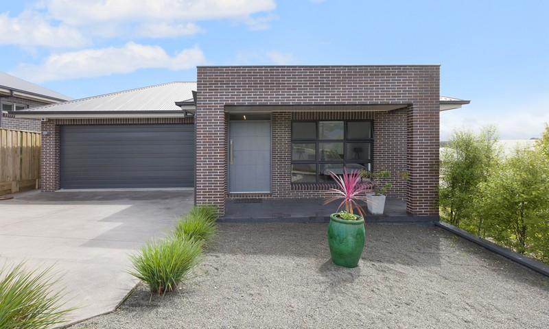 https://assets.boxdice.com.au/duncan_hill_property/listings/1164/b8c74ab8.jpg?crop=800x480