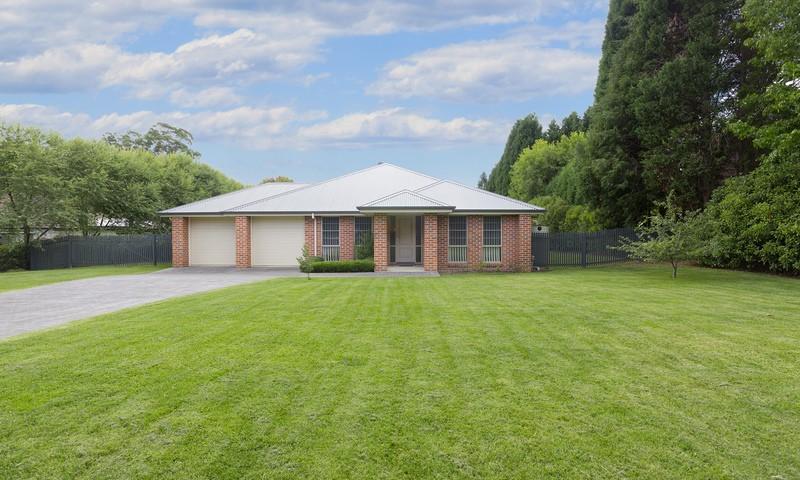 https://assets.boxdice.com.au/duncan_hill_property/listings/1746/6897aa41.jpg?crop=800x480