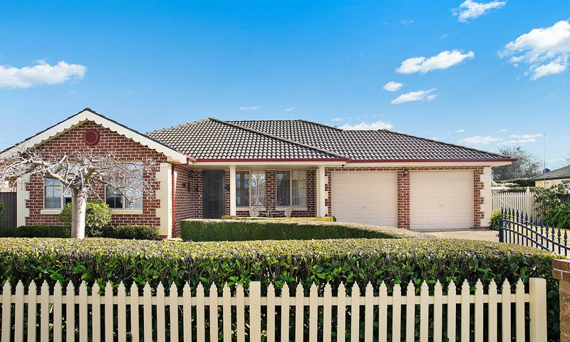 https://assets.boxdice.com.au/duncan_hill_property/listings/2014/12e925f8.jpg?crop=800x480