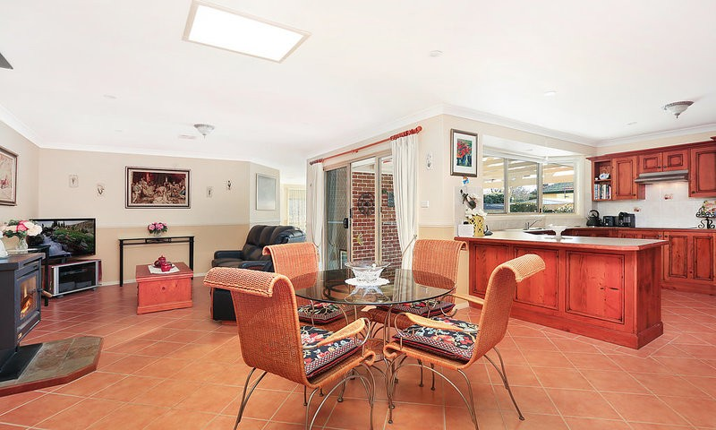 https://assets.boxdice.com.au/duncan_hill_property/listings/2014/fe5efb9e.jpg?crop=800x480