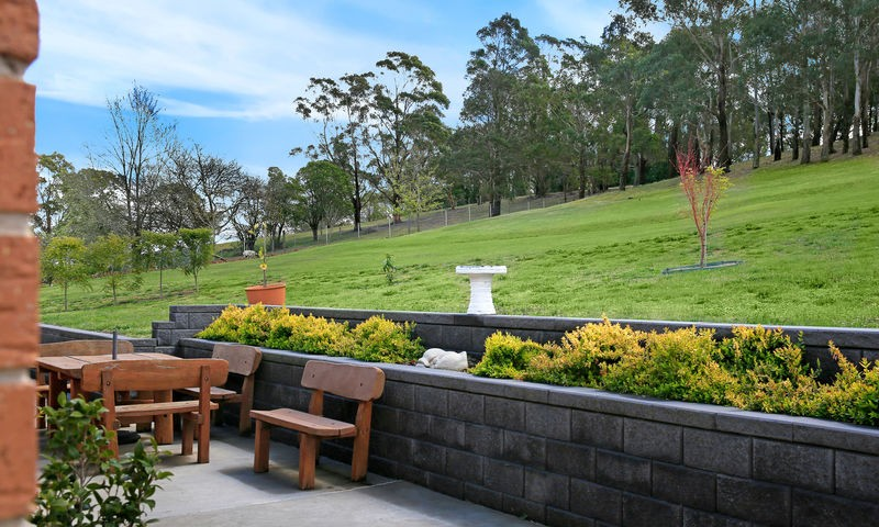 https://assets.boxdice.com.au/duncan_hill_property/listings/2195/2c318c14.jpg?crop=800x480
