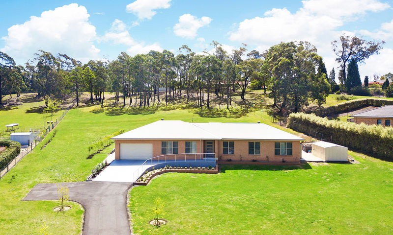 https://assets.boxdice.com.au/duncan_hill_property/listings/2195/603a67e0.jpg?crop=800x480