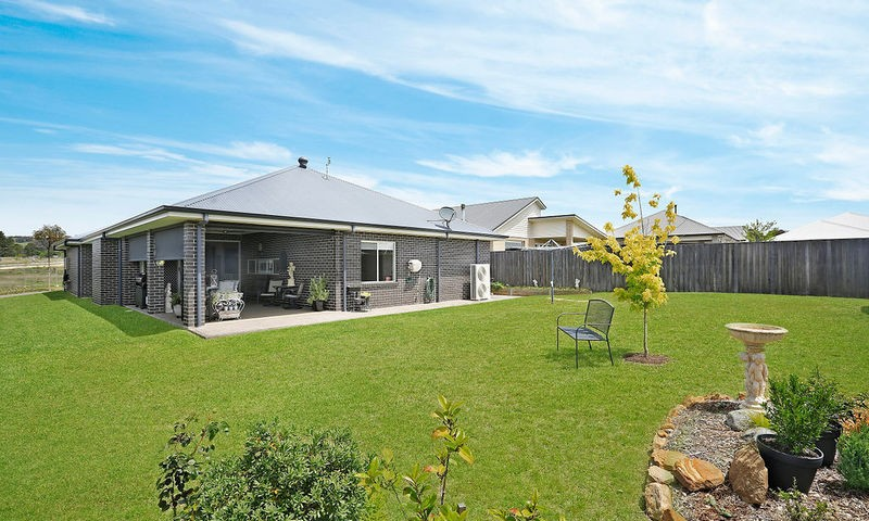 https://assets.boxdice.com.au/duncan_hill_property/listings/2286/73e3f9ed.jpg?crop=800x480