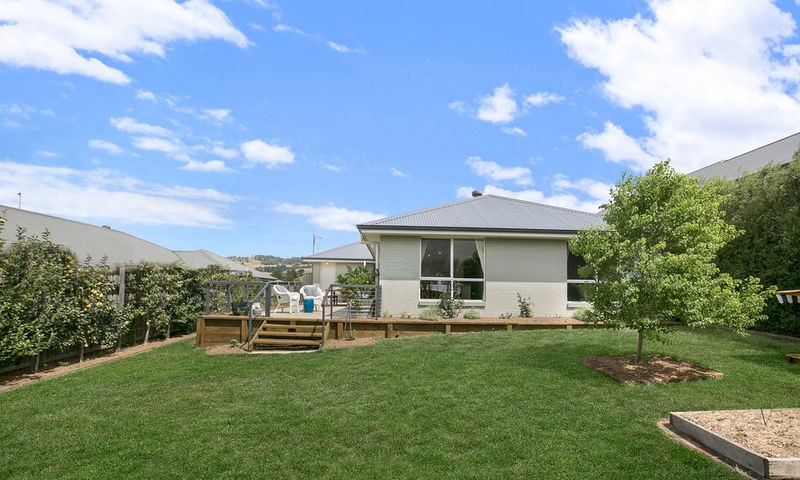 https://assets.boxdice.com.au/duncan_hill_property/listings/2412/134c776d.jpg?crop=800x480