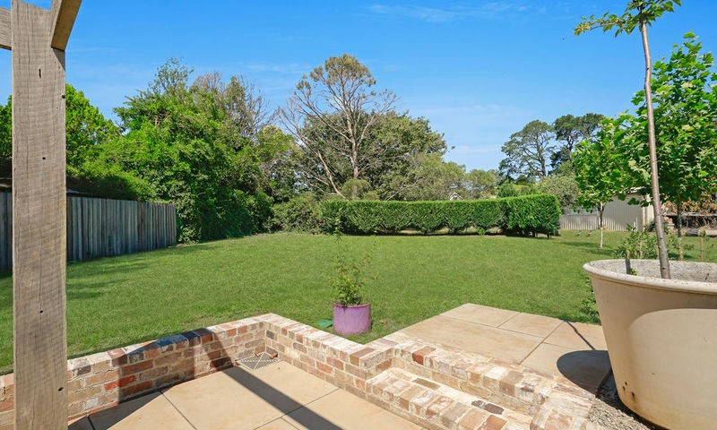 https://assets.boxdice.com.au/duncan_hill_property/listings/2417/01bf8182.jpg?crop=800x480