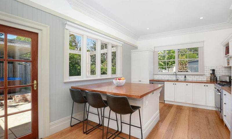 https://assets.boxdice.com.au/duncan_hill_property/listings/2417/4298642d.jpg?crop=800x480
