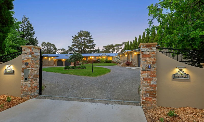https://assets.boxdice.com.au/duncan_hill_property/listings/2427/487aa959.jpg?crop=800x480