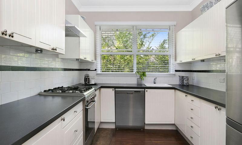 https://assets.boxdice.com.au/duncan_hill_property/listings/2574/2c020085.jpg?crop=800x480