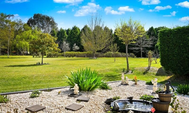 https://assets.boxdice.com.au/duncan_hill_property/listings/2582/ec8e8a14.jpg?crop=800x480