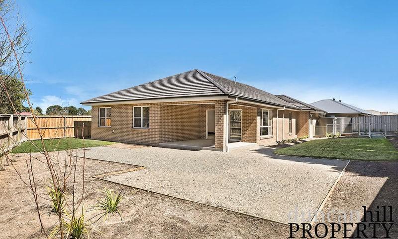 https://assets.boxdice.com.au/duncan_hill_property/listings/2591/13f5624d.jpg?crop=800x480
