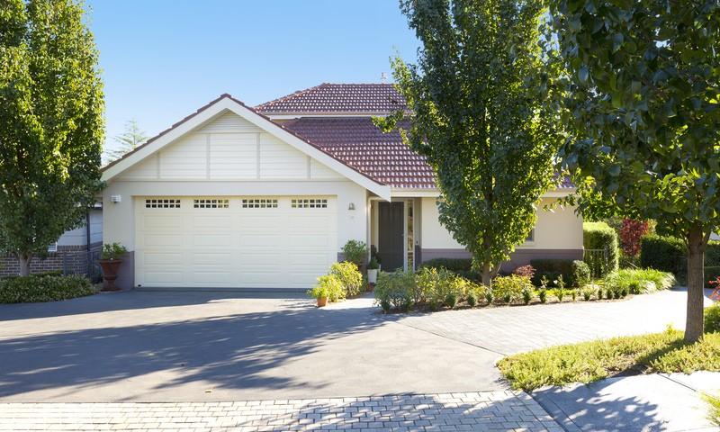 https://assets.boxdice.com.au/duncan_hill_property/listings/2714/107b2184.jpg?crop=800x480