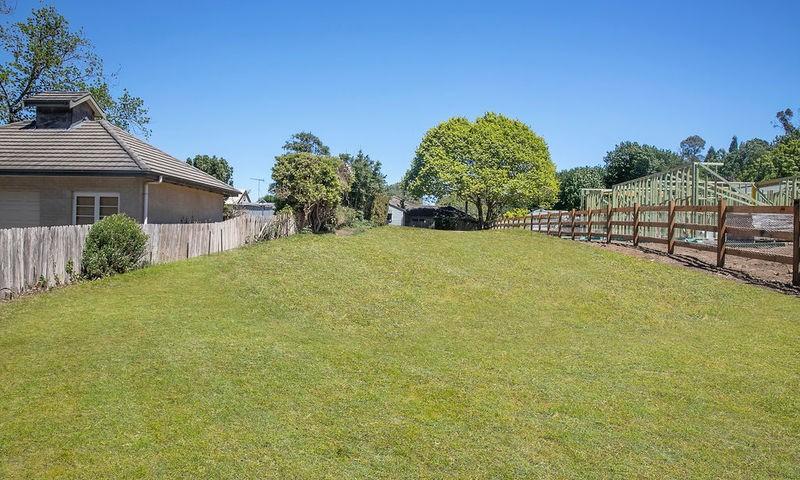 https://assets.boxdice.com.au/duncan_hill_property/listings/2726/a43bd736.jpg?crop=800x480