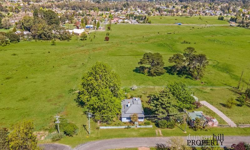 https://assets.boxdice.com.au/duncan_hill_property/listings/2911/115efd75.jpg?crop=800x480