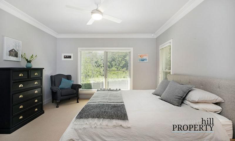 https://assets.boxdice.com.au/duncan_hill_property/listings/2915/4f1615be.jpg?crop=800x480