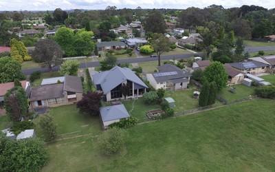 https://assets.boxdice.com.au/duncan_hill_property/listings/3203/58460ed2.jpg?crop=400x250