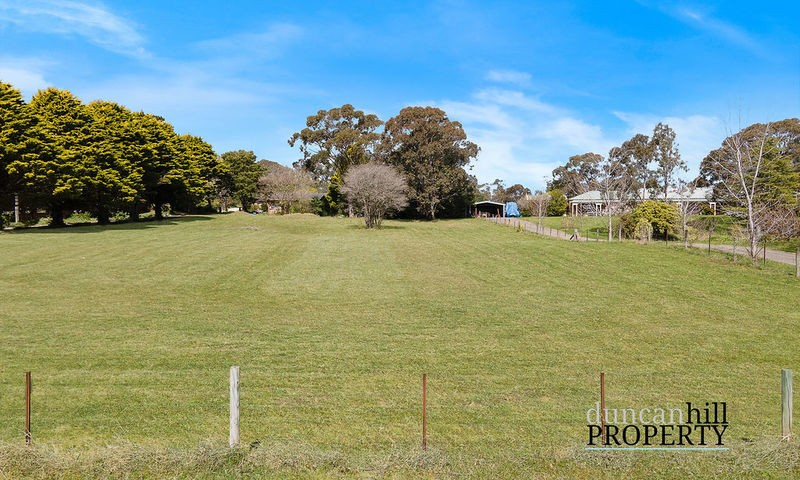 https://assets.boxdice.com.au/duncan_hill_property/listings/3288/01566421.jpg?crop=800x480
