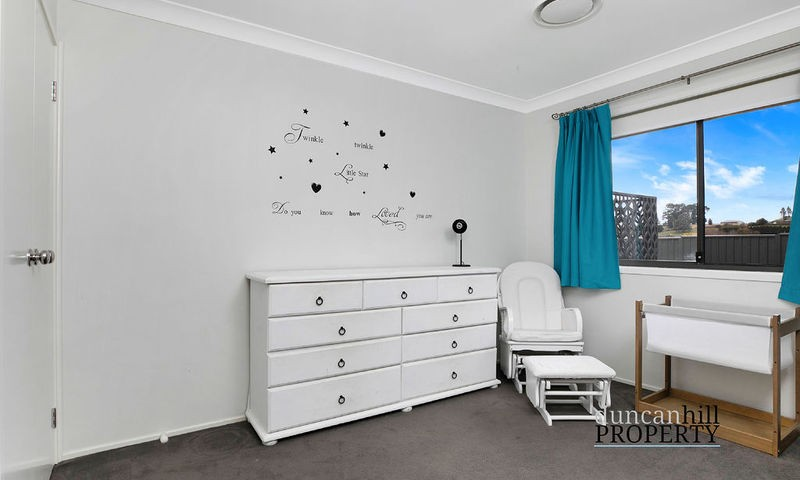 https://assets.boxdice.com.au/duncan_hill_property/listings/3293/e505eb65.jpg?crop=800x480
