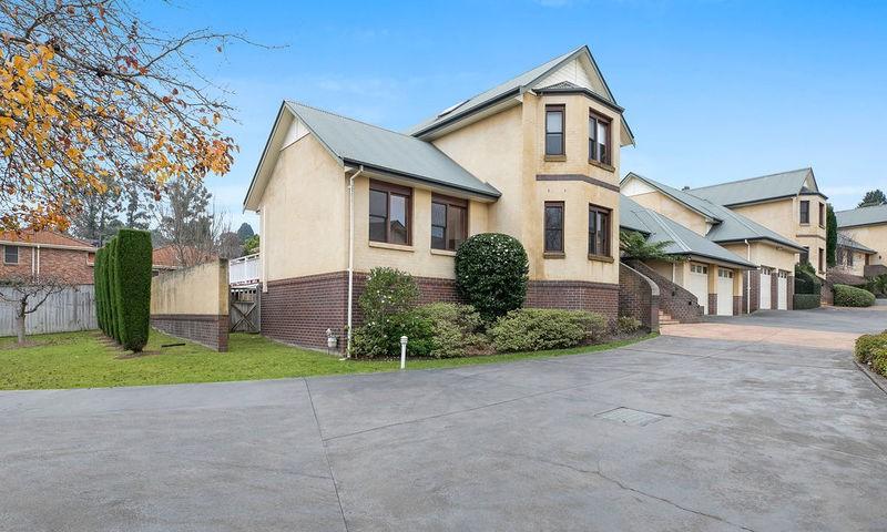https://assets.boxdice.com.au/duncan_hill_property/rental_listings/67/542e6239.jpg?crop=800x480