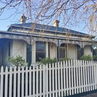 https://assets.boxdice.com.au/haughton_stotts/rental_listings/365/a807ffbf.jpg?crop=200x200