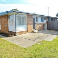 https://assets.boxdice.com.au/haughton_stotts/rental_listings/375/f1f7fa4e.jpg?crop=200x200
