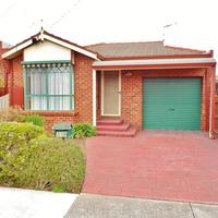 https://assets.boxdice.com.au/haughton_stotts/rental_listings/389/aa5674c9.jpg?crop=200x200