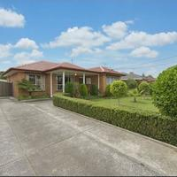 https://assets.boxdice.com.au/haughton_stotts/rental_listings/408/fa6cc20f.jpg?crop=200x200