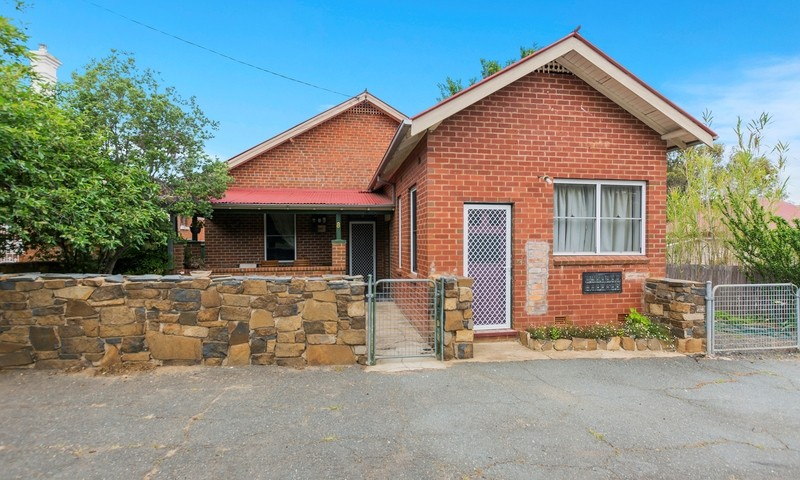 https://assets.boxdice.com.au/highlands/listings/1596/dec02a92.jpg?crop=800x480