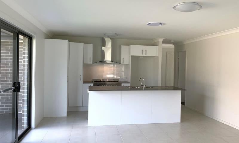 https://assets.boxdice.com.au/highlands/rental_listings/844/C.1558070322.jpg?crop=800x480